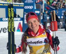 Наталья Непряева просит лыжню!